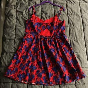 Market & Spruce Dresses - Red dress w/ blue flowers